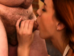 old goes young – cutie comes for a photo and an orgasm