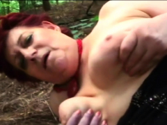 Chubby old whore digging into her pussy before bj