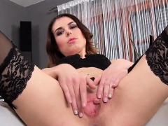 slutty czech cutie gapes her wet pussy to the bizarr16jcg