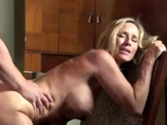 natural-busty-blonde-milf-gives-a-blowjob-in-a-taxi
