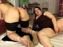 bbw-family-threesome-chubby-sisters