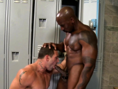 muscled-hunk-throats-bbc
