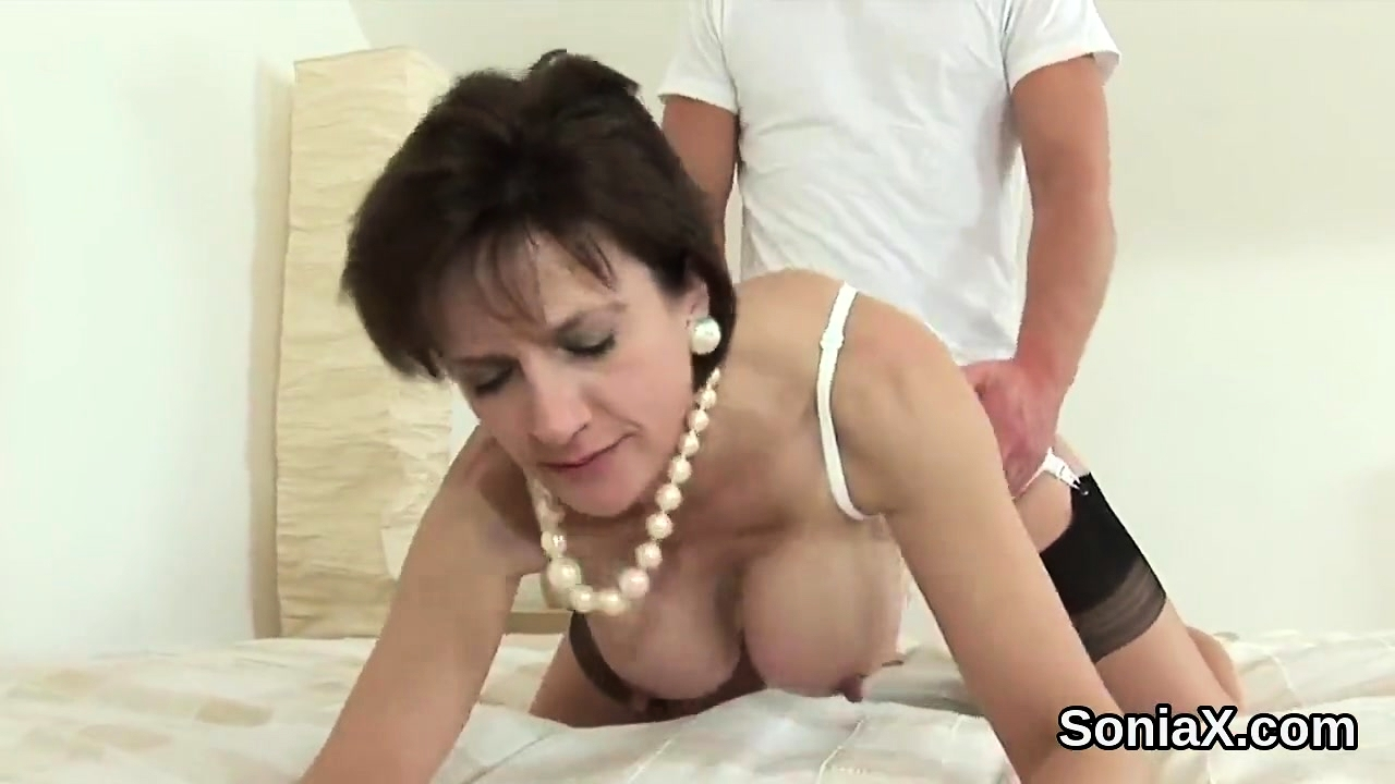 Unfaithful british mature lady sonia reveals her gian60HgS