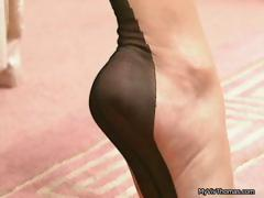 sexy-brunette-babe-getting-horny-taking-part6