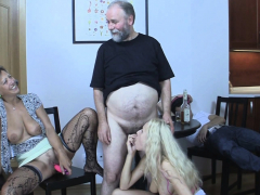 older-mom-seduces-his-new-gf-into-family-sex