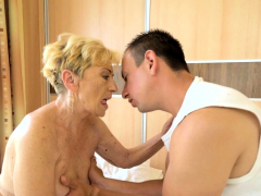 liver-spot-covered-granny-gets-pussy-banged