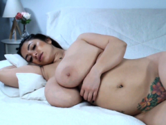 watch-this-fetish-booty-hoe-toying-her-big-sexy-ass