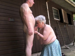 grandma-bloes-and-wanks-big-dick