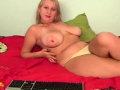 blond-with-saggy-boobs-and-large-areola