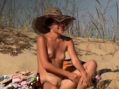 gorgeous-nude-voyeur-beach-amateur-teens-video
