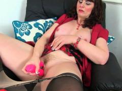 English Milf Josephine James Lets You Enjoy Her Huge Boobs
