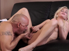 Old Man Kiss Horny Blond Wants To Attempt Someone Lil'