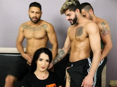 eleven-guys-gangbang-transsexual-vitoria-neves