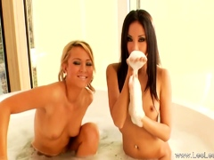 Sensual Lesbians Loving The Pussy To Feel Arouse Deeply