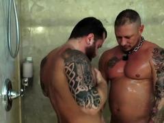 breedmeraw-riley-mitchen-barebacks-tyler-griz-in-shower