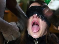 amateur-slut-gangbang-and-blowjob-facial-group