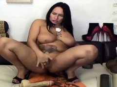 bbw-mature-shoves-toys-in-her-ass