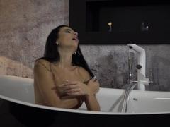 lustful-shalina-devine-masturbating-before-bath-time