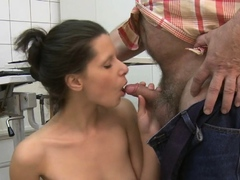 Enchanting maiden Petra doesn't want to stop pecker riding