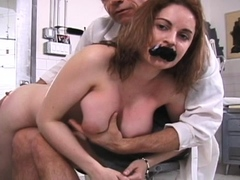 Mouthwatering bombshell likes to fake penis her poon tang