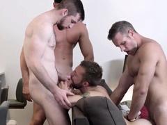 masqulin-jeremy-london-barebacked-and-cum-sprayed-in-4some