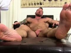 naked-men-kissing-feet-movies-gay-hugh-hunter-worshiped