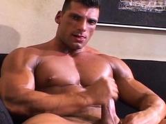 Bodybuilder Tom Anderson