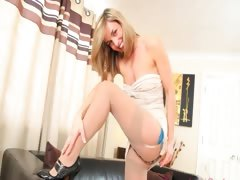 pantyhose-and-high-heels-for-my-dick